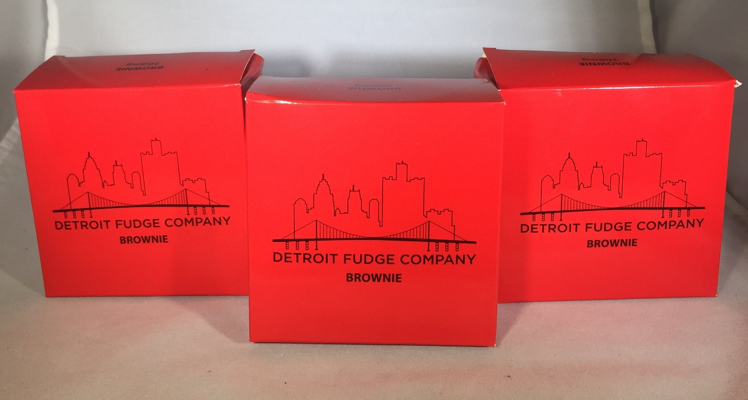 marijuana-dispensaries-261-burke-street-river-rouge-detroit-fudge-company-200mg-brownie