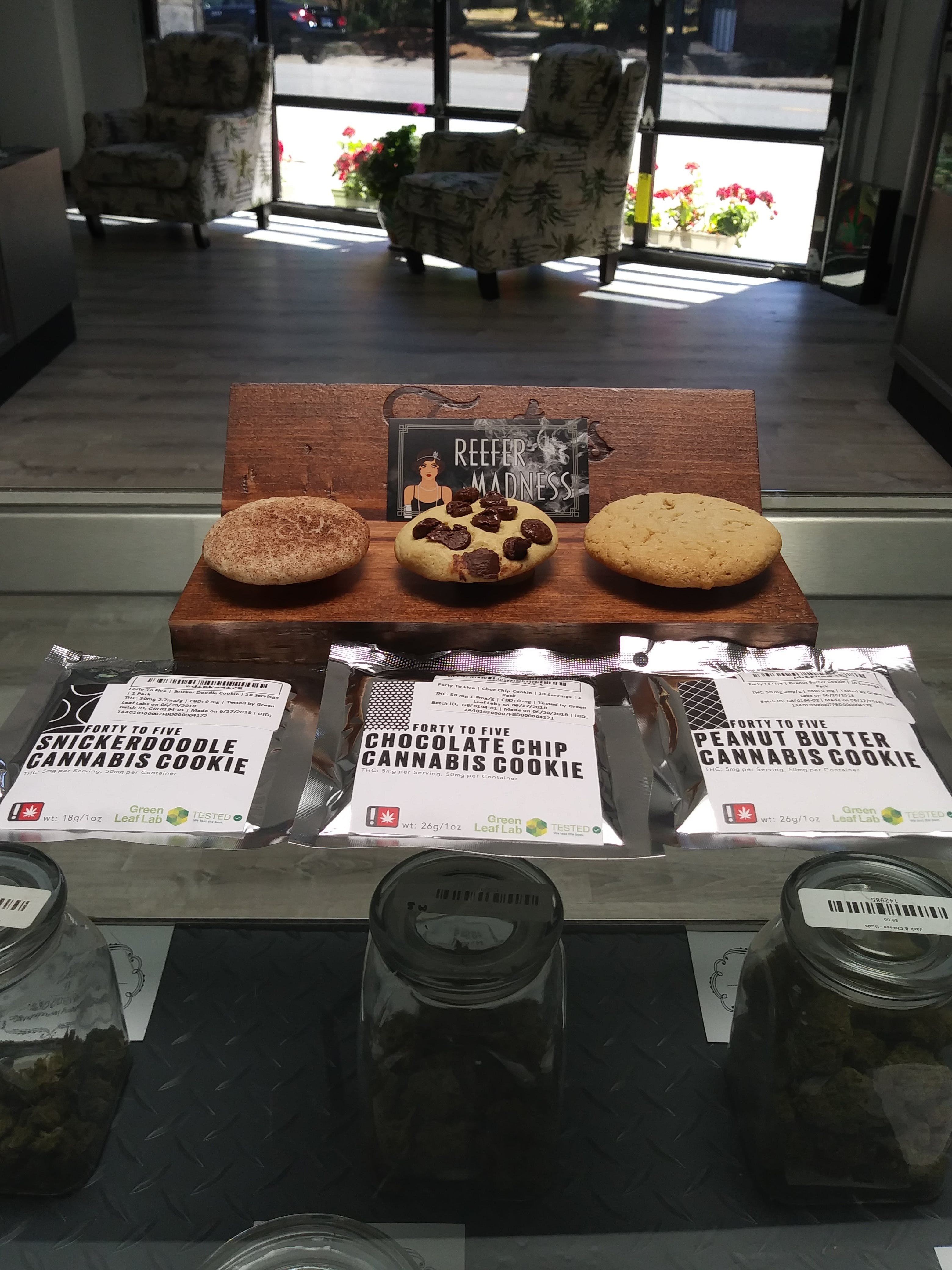edible-forty-to-five-chocolate-chip-cannabis-cookie