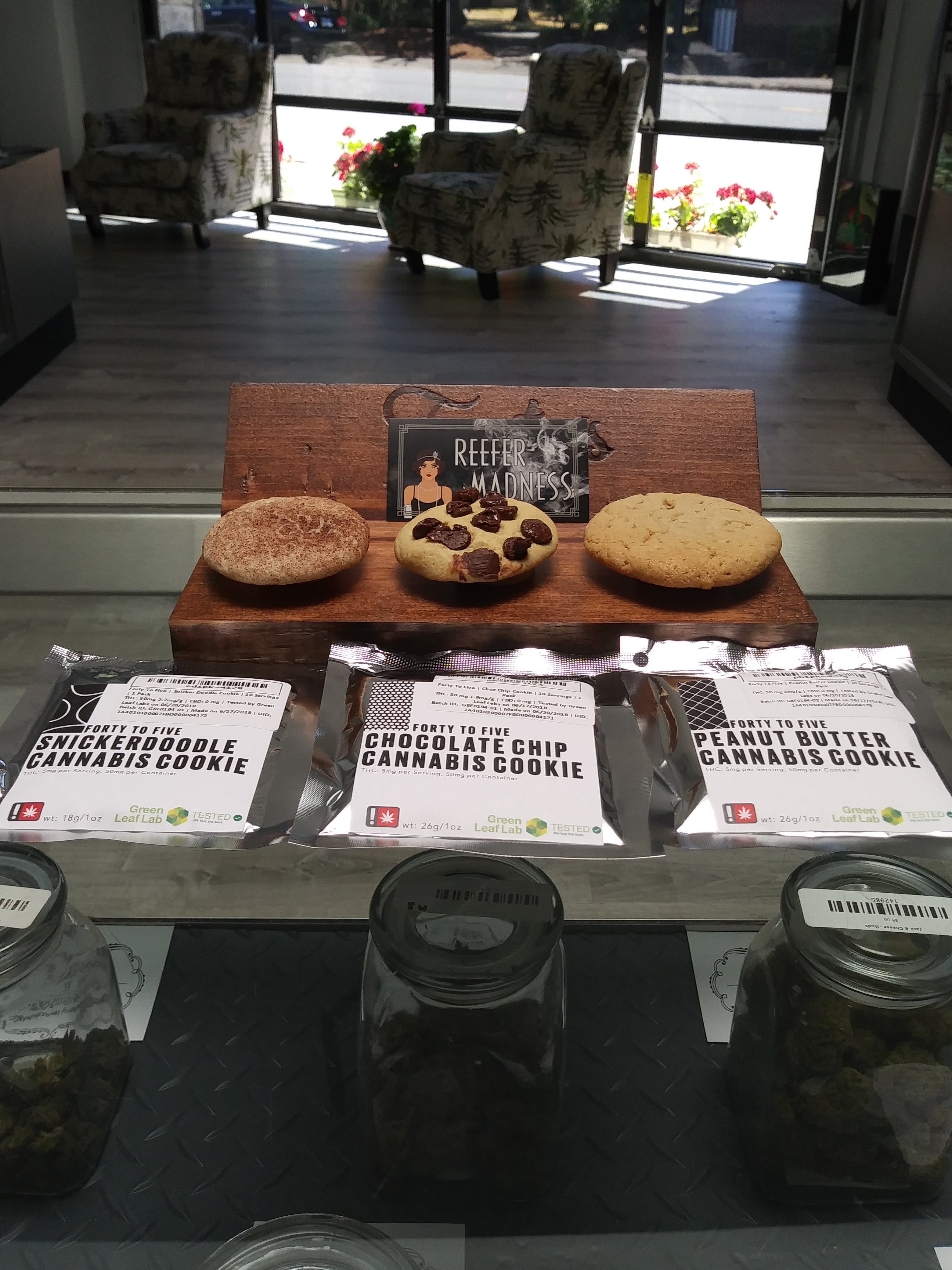 edible-forty-to-five-snickerdoodle-cannabis-cookie