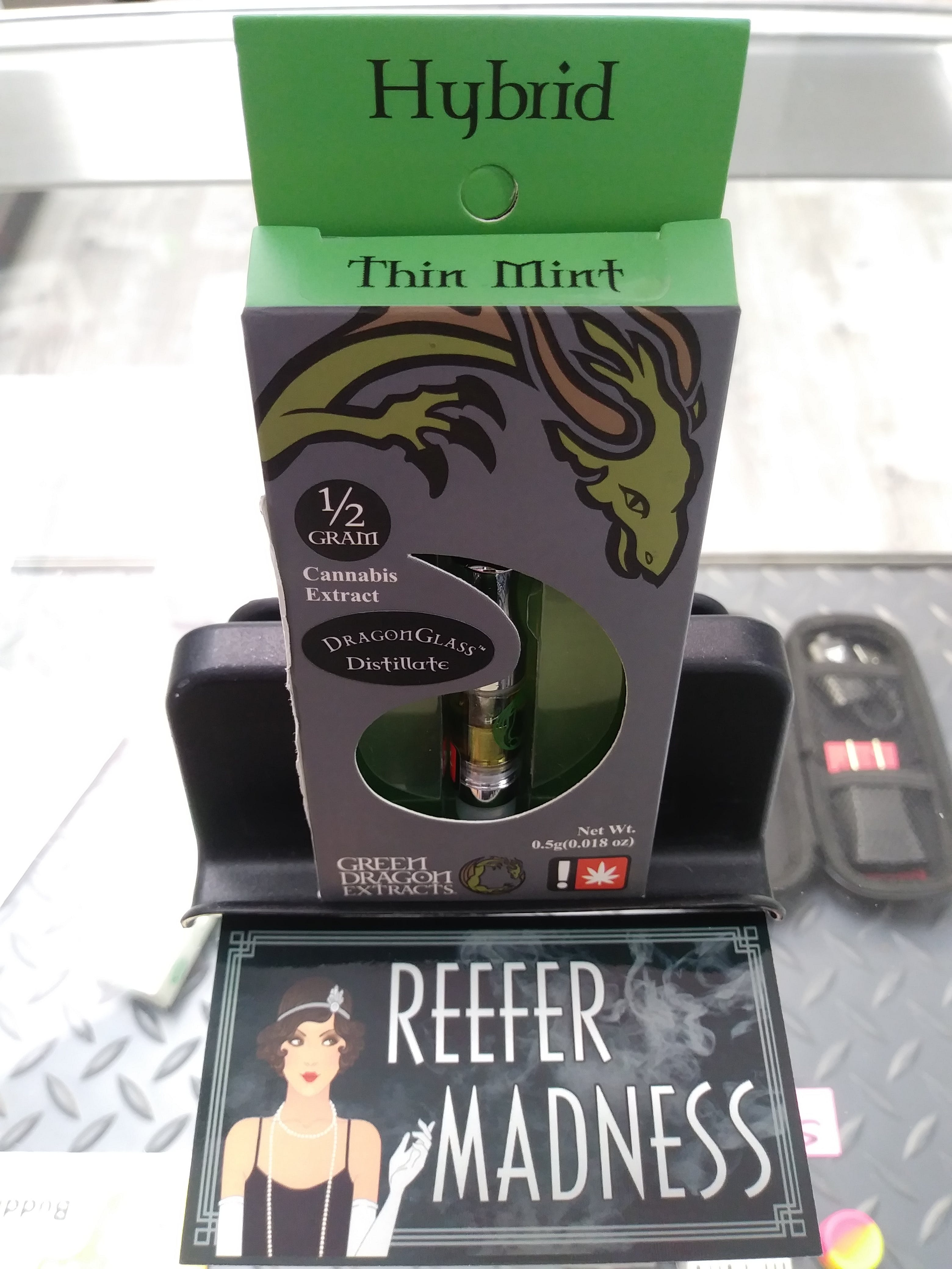 concentrate-green-dragon-extracts-green-dragon-0-5g-thin-mint-cartridge-thc-80-3-25-cbd-0-94-25